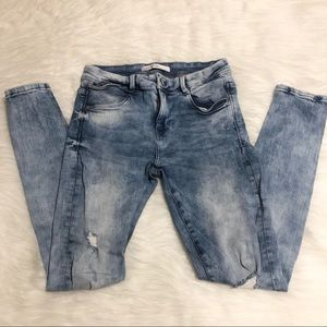 ZARA Light Wash Ripped Jeans